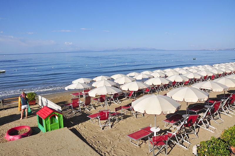 Gli italiani usano il web per prenotare le vacanze?